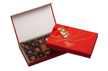 VALENTINO PRALINE RED BOX 225 GR